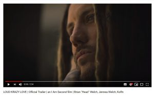 KOЯNのギタリスト、ヘッドのドキュメンタリーが新たな予告編を公開!「クレイジーな愛の物語」