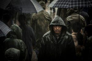 """『迫り来る嵐』いや、嵐はもう来てた? 殺人事件に取り憑かれた""""おかしな男""""が生きた1997年、中国"""