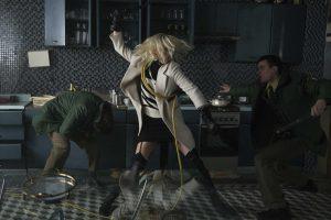 超絶! バイオレンス・アクション C・セロンら美女の肉弾戦に刮目せよ!『悪女/AKUJO』『アトミック・ブロンド』
