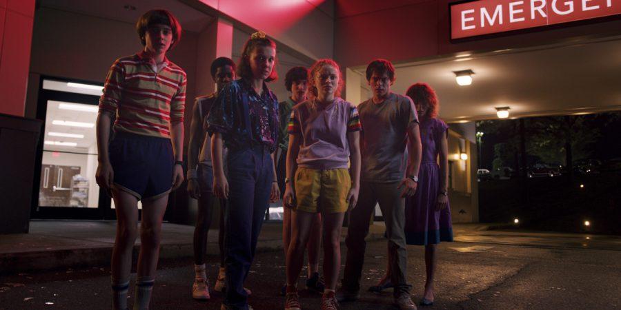 『ストレンジャー・シングス 未知の世界』双子オタク監督に訊く! 80年代トラウマ映画は『IT/イット』とアレとアレ… 気になるシーズン4は?