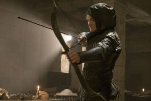 弓アクションは銃撃戦よりクール! 目ヂカラ光るタロン・エジャトンが伝説のロビン・フッドに『フッド:ザ・ビギニング』