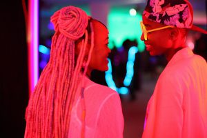 「アフロバブルガム」って何? 同性愛が違法の国、ケニア発の青春ラブストーリー『ラフィキ:ふたりの夢』