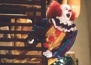 新作よりペニーワイズが怖い! TV版『イット』怪優ティム・カリーの顔面力がトラウマ級!