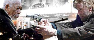 「トラヴォルタ、うしろー!!」極悪フリーマンの癒やし系ハードボイルド『ポイズンローズ』