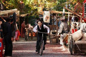 成田凌の巧みな話術は必聴!高良健吾、永瀬正敏がサイレント映画の活動弁士を熱演『カツベン!』