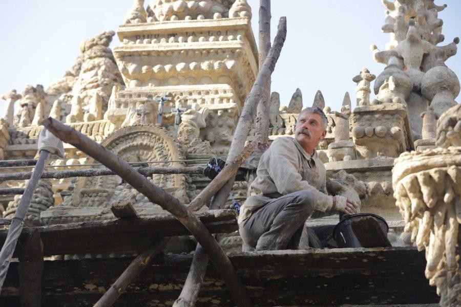 実話! 33年間 石を積み続けて宮殿を建てた男の数奇な半生とは『シュヴァルの理想宮 ある郵便配達員の夢』