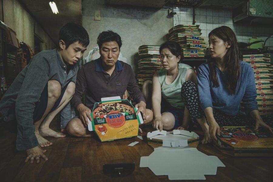 悲惨なのにコミカル、豊かなのに空虚、シリアスなのにマヌケ! 圧巻のポン・ジュノ最新作『パラサイト 半地下の家族』