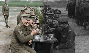 戦場のリアル!兵士の会話も再現 P・ジャクソン監督新作は100年前の戦場ドキュメンタリー『彼らはいきていた』