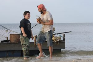 極貧漁師とパンイチ青年の、愛おしい冒険物語! シャイア・ラブーフ出演『ザ・ピーナッツバター・ファルコン』