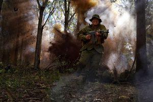 緊迫度200%! 壮絶な戦闘を描いた実話、本編映像公開!『デンジャー・クロース 極限着弾』