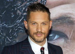 トム・ハーディが公開した『ヴェノム』撮影シーンがオモシロすぎる!これ本当にファイトシーン?