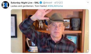 新型コロナから回復したトム・ハンクス、人気TV番組「サタデー・ナイト・ライブ」に自宅から出演!