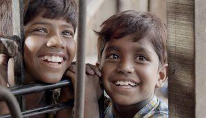 南インド・チェンナイのスラムが舞台! 貧しい兄弟の「食べてみたい!」を描いた可笑しくも愛おしい児童映画『ピザ!』