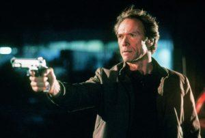 イーストウッド90歳の誕おめ! 刑事アクションに別れを告げたケジメの一作は『ルーキー』だった