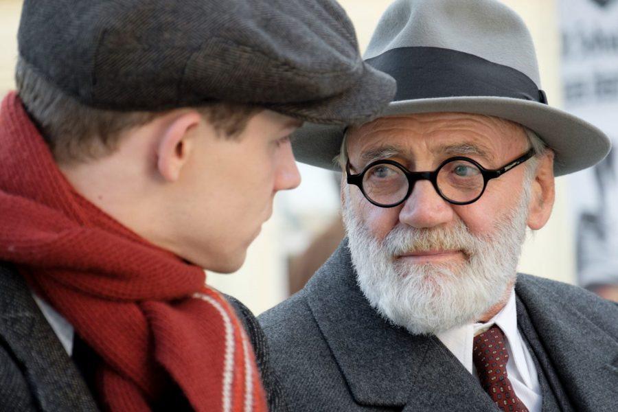 名優ブルーノ・ガンツ遺作! ナチ占領下での青年とフロイトの友情を描く『17歳のウィーン フロイト教授人生のレッスン』