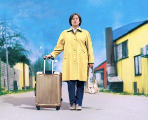 60代主婦が夫の浮気で家出!?  スウェーデンのベストセラー作家原作『ブリット=マリーの幸せなひとりだち』