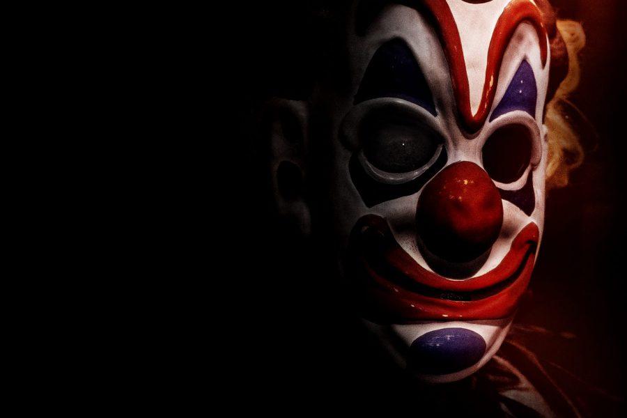 70~80'sホラー映画へのオマージュ満載! 殺人鬼がお化け屋敷を運営!?『ホーンテッド 世界一怖いお化け屋敷』