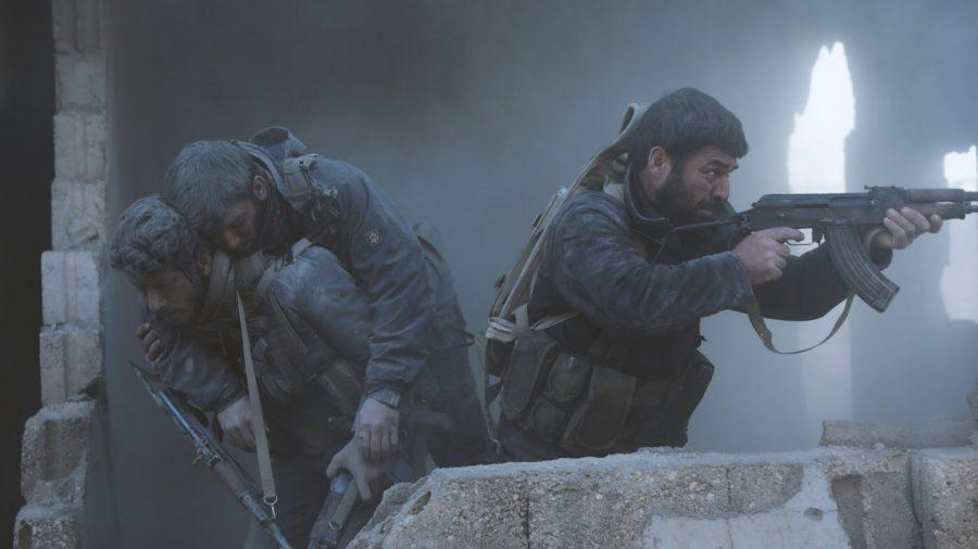 クルド人武装勢力 vs トルコ軍! 女学生も銃で戦う戦争のリアルを描く『フォートレス・ダウン 要塞都市攻防戦』