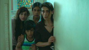 ド緊迫の86分! 壁の外は死の世界……戦地の密室スリラー『シリアにて』が描く凄惨な現実