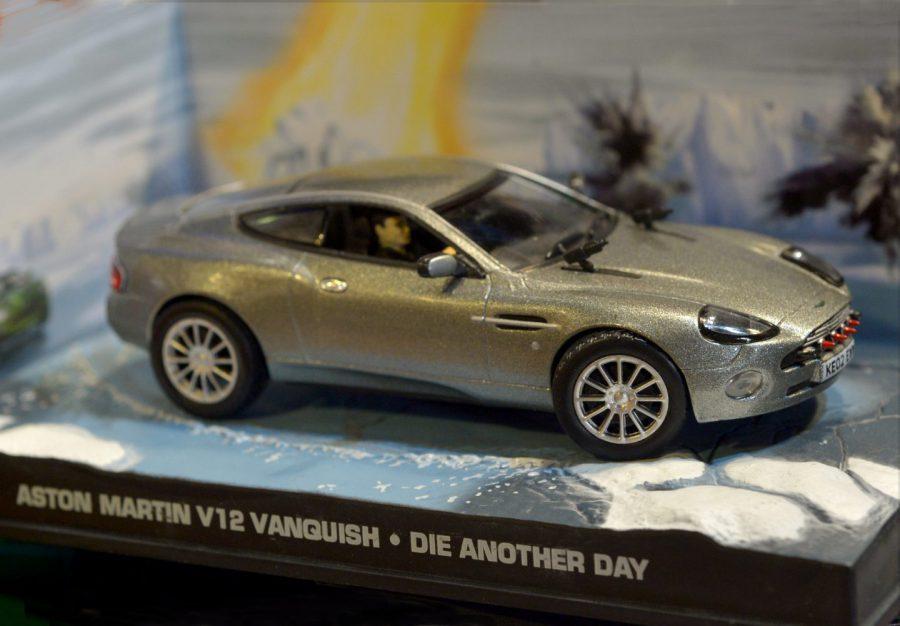 『007』ボンドカーは無邪気な大人の夢、そして冒険への憧れ!! レーザー光線にラジコン化BMW!