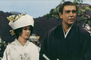"""『007』の人智を超えた""""トンデモ""""シーンはこれだ!! コネリー版ボンドが培った遊び心が満載!"""