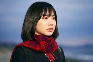 芦田愛菜が『星の子』で6年ぶり実写映画主演! 愛する両親の信仰と体面の狭間で揺らぐ女子高生を見事に演じる
