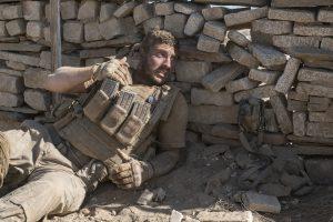 """実在した""""謎の狙撃者""""との攻防!『ザ・ウォール』は砂漠が舞台の舌がザラつくソリッドシチュエーション・スリラー"""