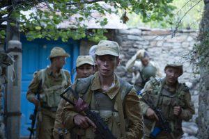 """戦争は始めるよりも終わらせるほうが難しい……『リービング・アフガニスタン』は不良ソ連兵団の蛮行を暴く""""狂気の""""アフガン戦記"""