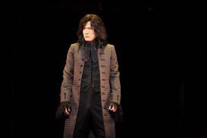 稲垣吾郎が実在の死刑執行人を熱演! 舞台『サンソン-ルイ16世の首を刎ねた男-』 ~劇場が再開されるその時まで、歩みを止めない~