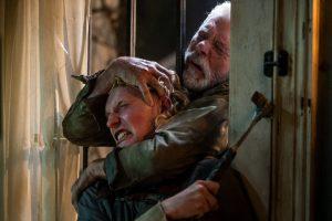 """""""最強の盲目老人""""が少女を育てる!?『ドント・ブリーズ2』の予想を遥かに超える恐怖と狂気、そして贖罪"""